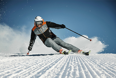 A Guide to Skiing Baselayers
